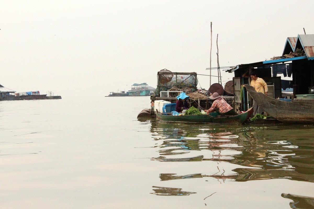 Life on lake Tonle Sap