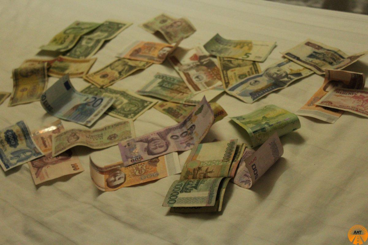 dove cambiare soldi laos thailandia vietnam cambogia