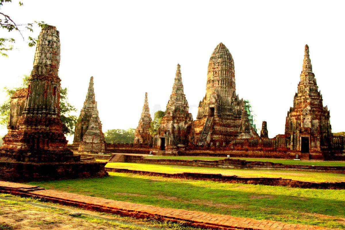 Wat Chai Watthanaram at dawn