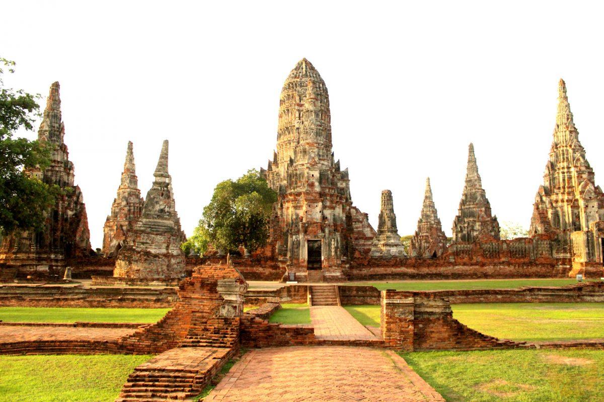 Front view of Wat Chai Watthanaram