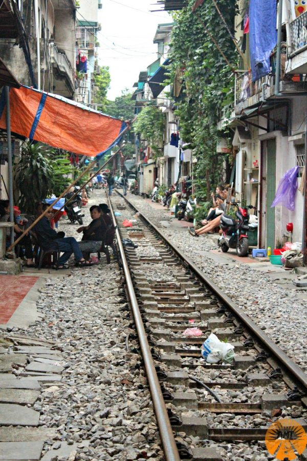 book train to hanoi