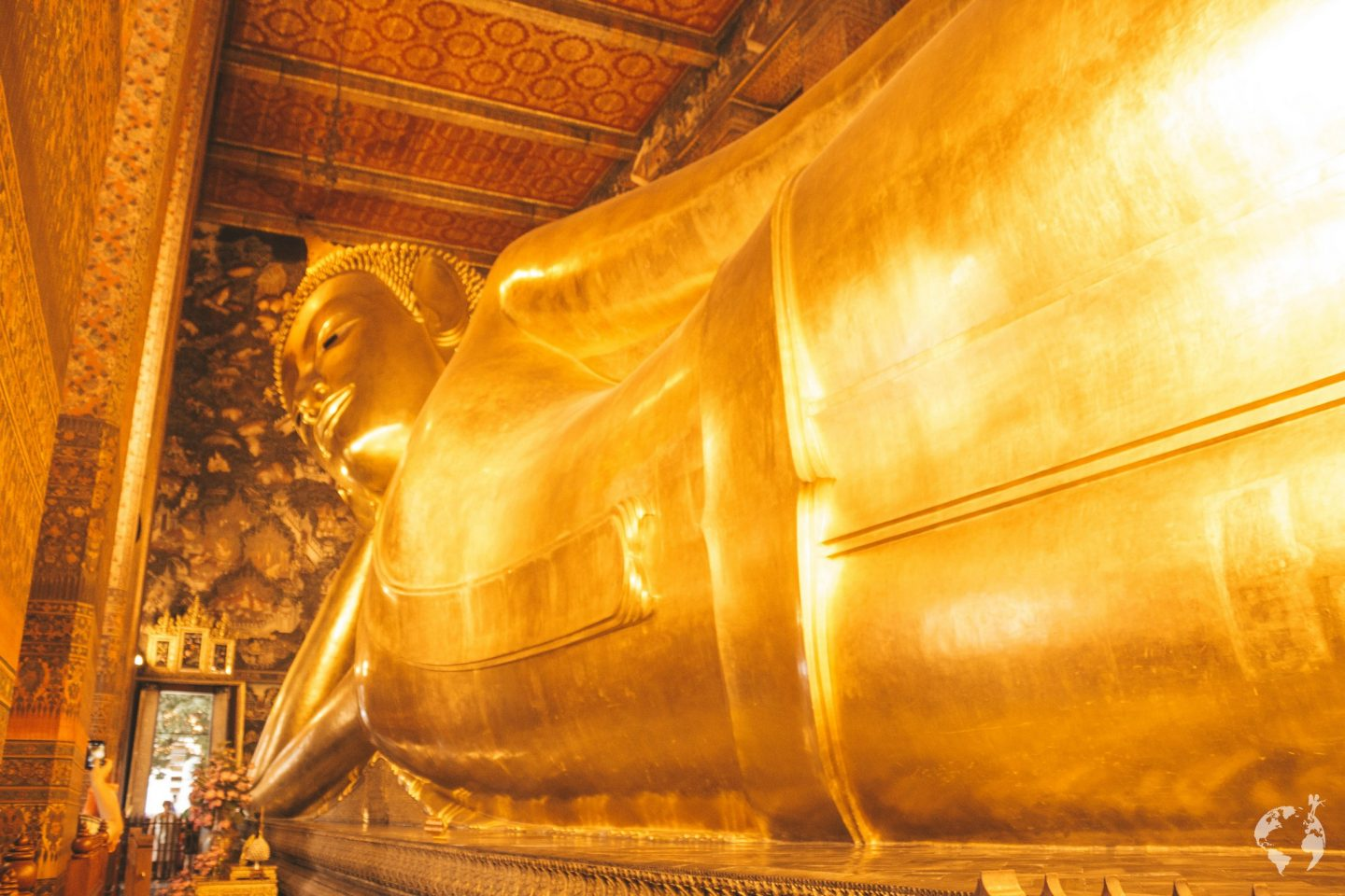 Reclining Buddha Wat pho where to see Bangkok