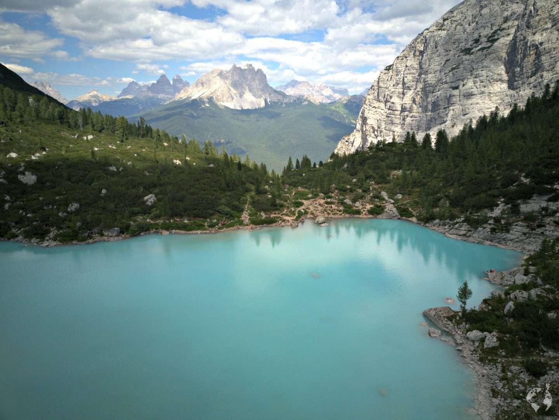 hiking trail 215 passo tre croci lake sorapis dolomites