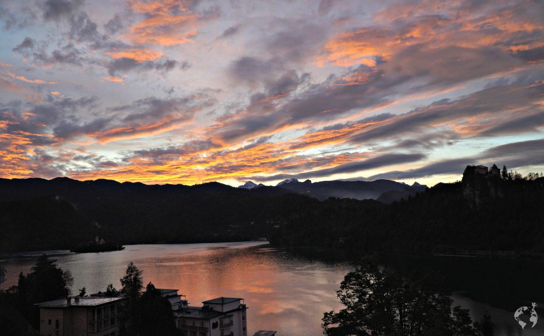 sunset lake bled lago slovenia